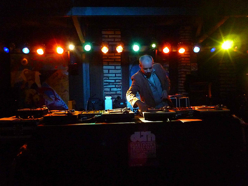 bh-vinyl-land-acaro-no-palco