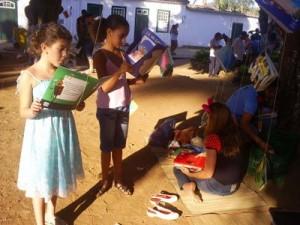 1-criancas-lendo
