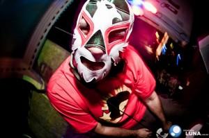 02 MBgroove mascarado