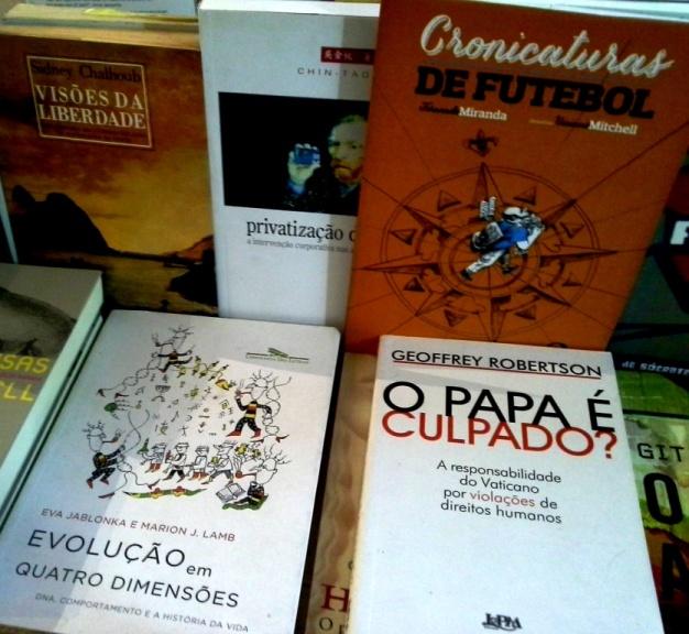livros bancada 5